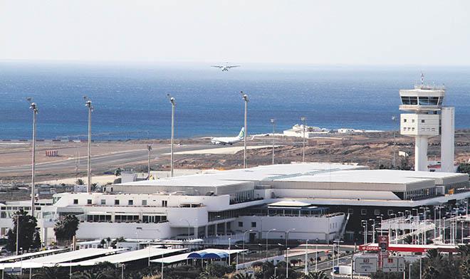 Resultado de imagen de torre de control aeropuerto lanzarote